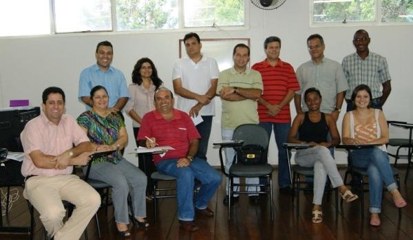 Participantes de uma das reuniões do grupo de trabalho.